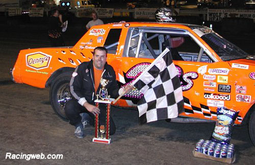 photo of Bob Schwartzmiller, the winner of the Amateur Stock race on 09/20/02